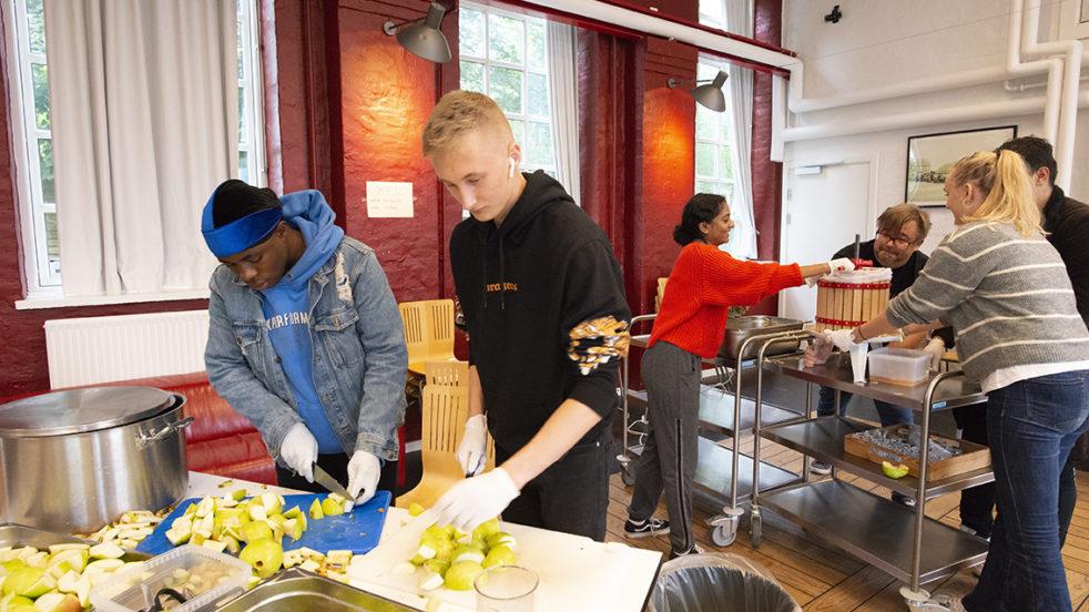 Gentofte Ungdomsskole sætter det danske æble på skoleskemaet